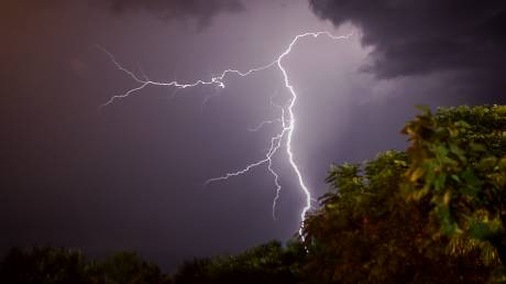 Έκτακτο δελτίο επιδείνωσης καιρού από την ΕΜΥ: Καταιγίδες και χαλάζι