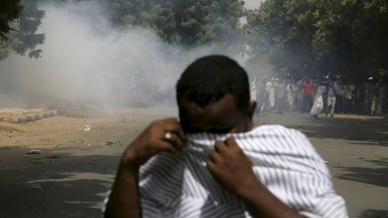 Στους δρόμους οι κάτοικοι στο Σουδάν - Με δακρυγόνα απάντησε η αστυνομία