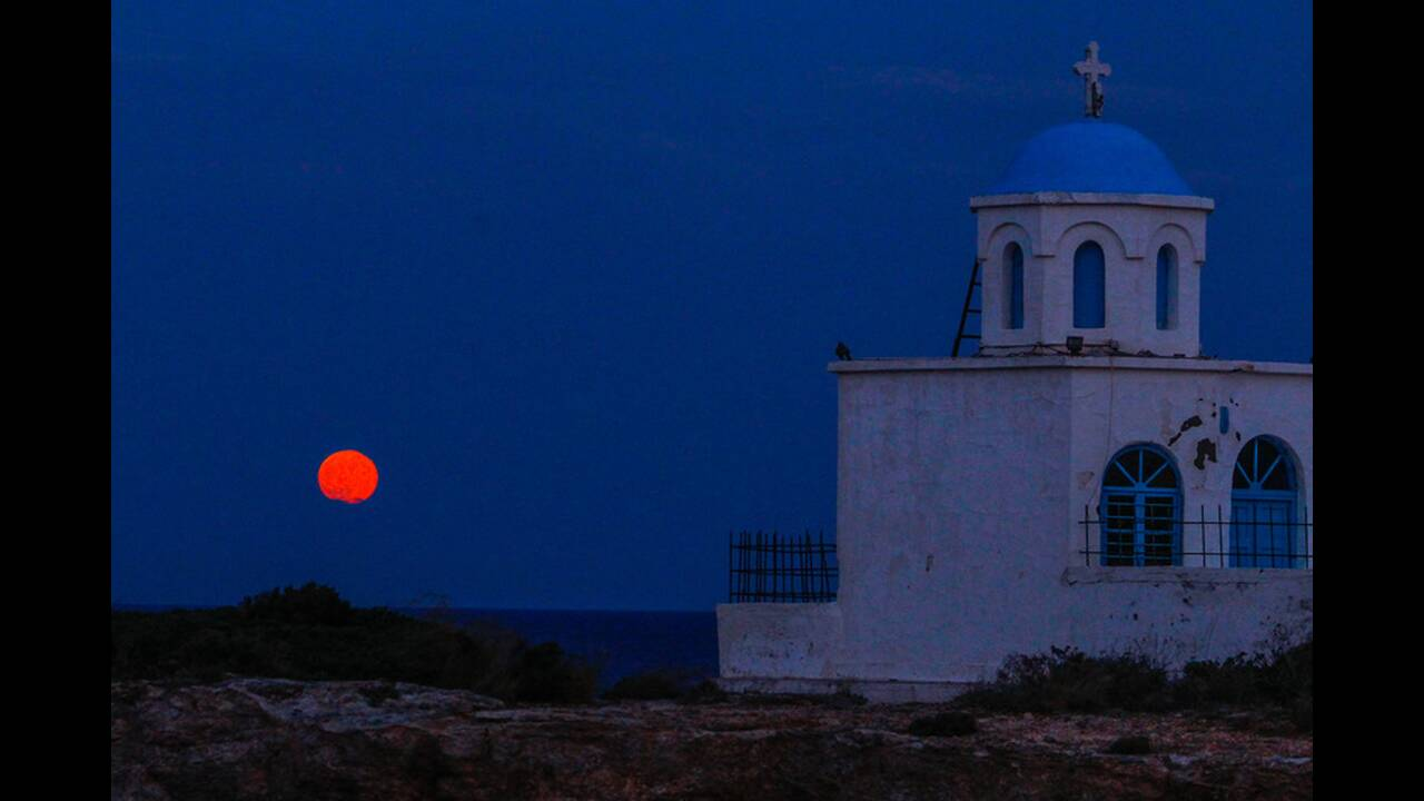 https://cdn.cnngreece.gr/media/news/2019/07/16/184537/photos/snapshot/4830192.jpg
