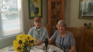 Μαζί στη ζωή, μαζί και στο θάνατο: Πέθαναν την ίδια ημέρα μετά από 71 χρόνια γάμου