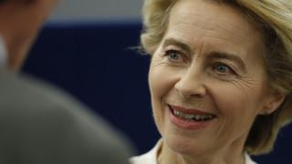 Συγχαρητήρια της ευρωπαϊκής πολιτικής σκηνής στην πρώτη γυναίκα πρόεδρο της Κομισιόν