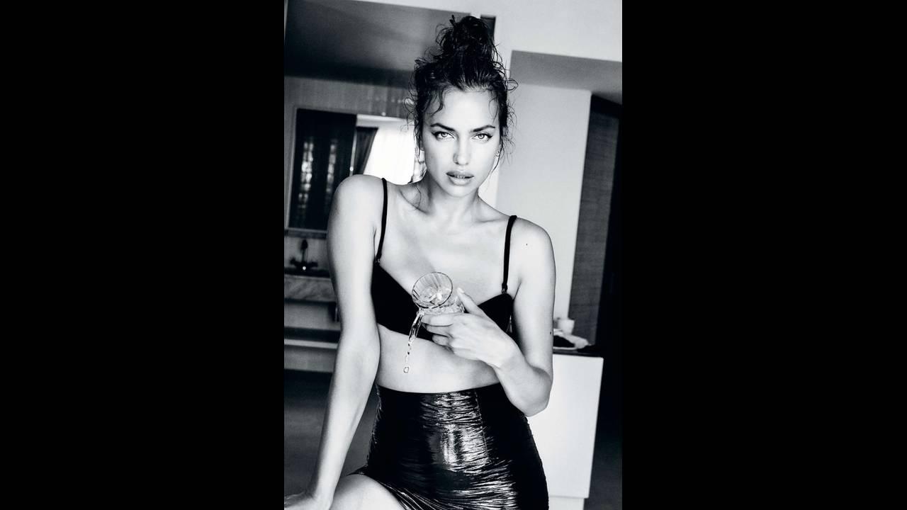 https://cdn.cnngreece.gr/media/news/2019/07/17/184661/photos/snapshot/Irina-Shayk-Swimsuit-Photoshoot08.jpg