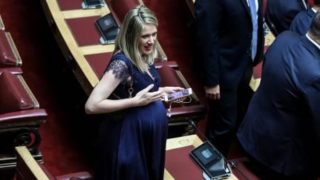 Οι στιγμές που ξεχώρισαν στην ορκωμοσία της νέας Βουλής
