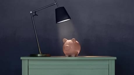 Οikonomikorevma.gr: 5 Tips για να εξασφαλίσεις οικονομικό ρεύμα στο σπίτι σου