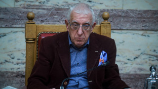 Έσπασε όλα τα κοντέρ ο Κακλαμάνης - εξελέγη αντιπρόεδρος με 290 ψήφους