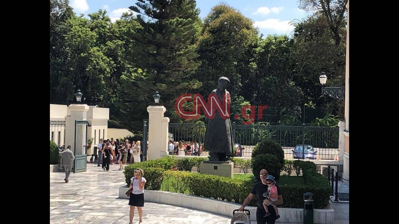 https://cdn.cnngreece.gr/media/news/2019/07/19/184889/photos/snapshot/66921914_461871254362537_3458796391067811840_n.jpg