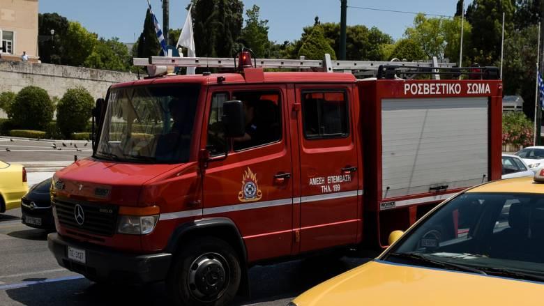 Σεισμός Αθήνα: Δεκάδες απεγκλωβισμοί από την Πυροσβεστική