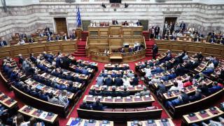 Ολοκληρώθηκαν στη Βουλή οι προγραμματικές δηλώσεις της κυβέρνησης Μητσοτάκη
