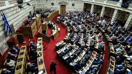 Προγραμματικές δηλώσεις: Εξαγγελίες - εκπλήξη από Μητσοτάκη – Οι τοποθετήσεις των πολιτικών αρχηγών