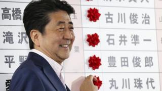 Εκλογές Ιαπωνία: Νίκη Άμπε με σταθερή πλειοψηφία για αναθεώρηση Συντάγματος