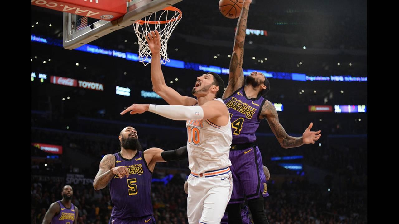 https://cdn.cnngreece.gr/media/news/2019/07/23/185228/photos/snapshot/2019-01-05T045834Z_1866935751_NOCID_RTRMADP_3_NBA-NEW-YORK-KNICKS-AT-LOS-ANGELES-LAKERS.jpg