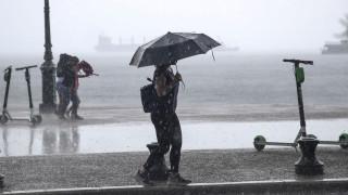 Χαλάει ο καιρός: Βροχές και καταιγίδες