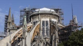 Γαλλία: Ο καύσωνας απειλεί την κατεστραμμένη από τη φωτιά Παναγία των Παρισίων