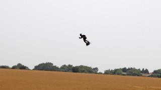 Φράνκι Ζαπάτα: Ο «ιπτάμενος άνθρωπος» απέτυχε να διασχίσει τη Μάγχη με «Flyboard»