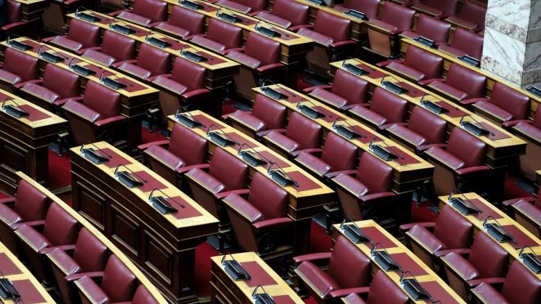 Στη Βουλή το «μίνι» φορολογικό νομοσχέδιο: Ρυθμίσεις για ΕΝΦΙΑ και 120 δόσεις
