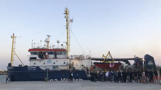 Ιταλία: Η Βουλή ενέκρινε πελώρια πρόστιμα σε ΜΚΟ
