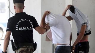 Ανατροπή στην υπόθεση ομαδικού βιασμού στην Κύπρο - Χειροπέδες στην 19χρονη