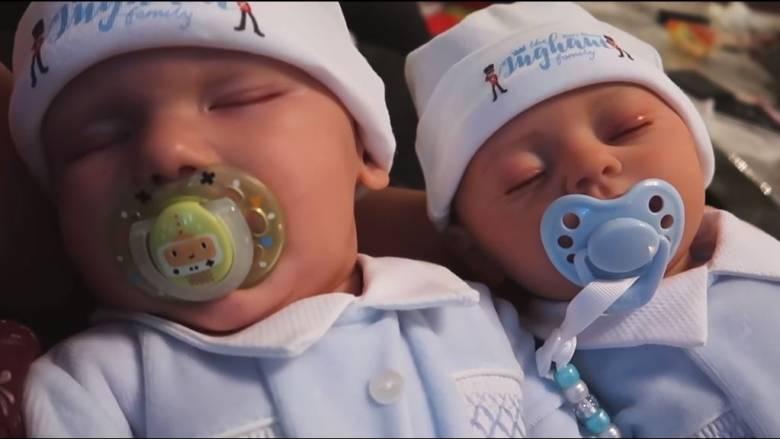 Σάλος στο διαδίκτυο: Youtubers δημιούργησαν και πουλούν κούκλες ίδιες με το νεογέννητο μωρό τους