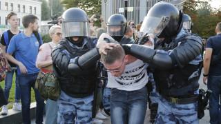 Ρωσία: Περισσότερα από 1.300 άτομα προσήχθησαν σε διαδήλωση υπέρ της διεξαγωγής ελεύθερων εκλογών