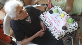 Γενέθλια για τη γηραιότερη Ελληνίδα: Έκλεισε τα 114 και διεκδικεί μία θέση στο βιβλίο Γκίνες