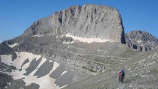 Ορειβάτης εγκλωβίστηκε στον Όλυμπο - Μεγάλη επιχείρηση της Πυροσβεστικής