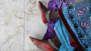 Ύποπτο τροχαίο για Ινδή έφηβη που κατηγόρησε πολιτικό για βιασμό – Δίνει μάχη για τη ζωή της