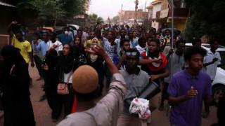 Σουδάν: Ελεύθεροι σκοπευτές σκότωσαν τέσσερις μαθητές και έναν ενήλικα σε διαδήλωση