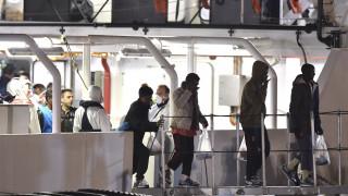Παραμένουν εγκλωβισμένοι στο Gregoretti δεκάδες μετανάστες κοντά στη Σικελία