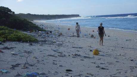 Νήσος Χέντερσον: Το περιβαλλοντικό διαμάντι του Ειρηνικού που μετατράπηκε σε χωματερή
