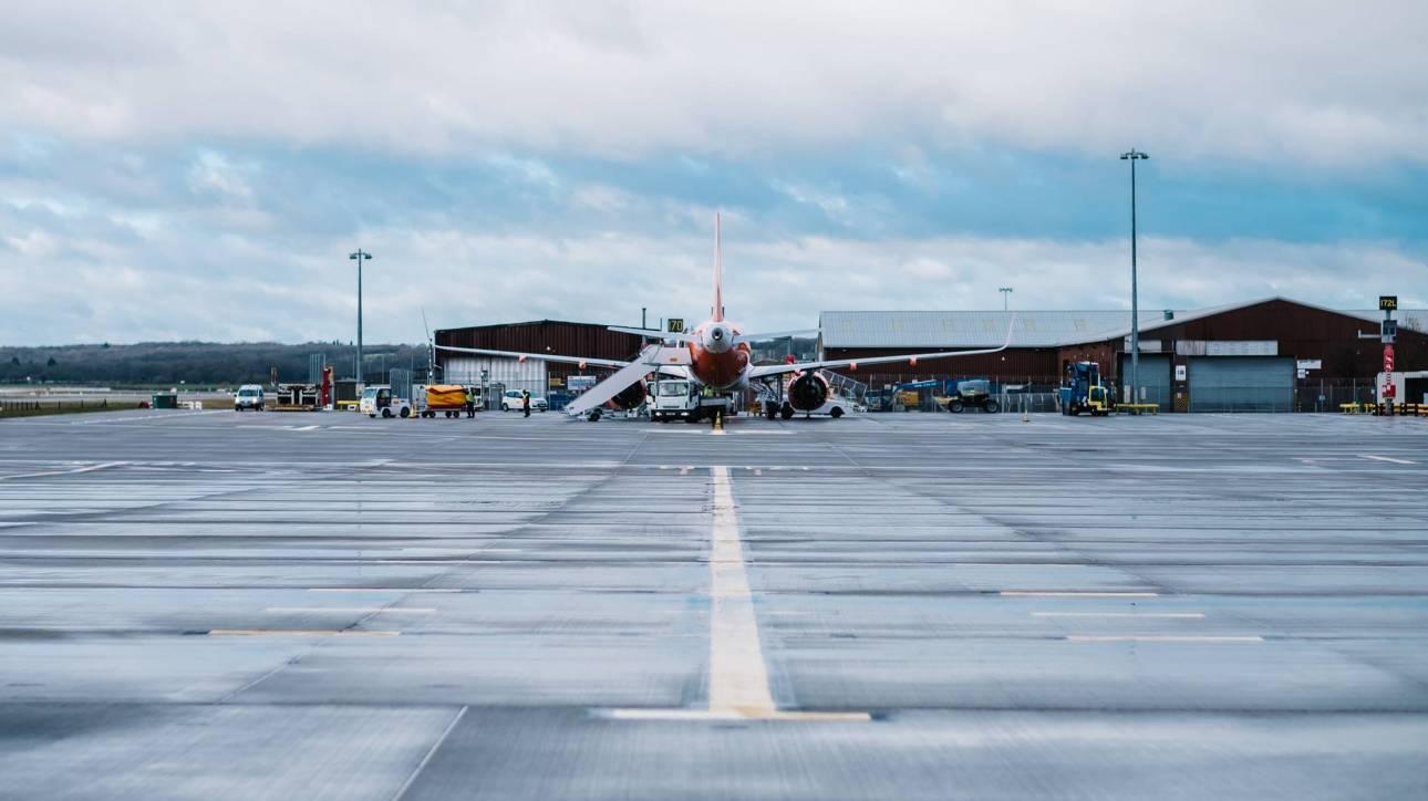 Αεροπλάνο – «φάντασμα» προσγειώθηκε στο Λονδίνο