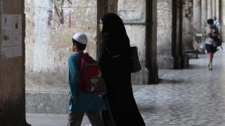 Ολλανδία: Σε ισχύ ο νόμος που απαγορεύει τη μπούρκα σε σχολεία, δημόσια κτήρια και ΜΜΜ