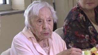 Γιόρτασε τα 107α γενέθλιά της και αποκάλυψε το μυστικό της μακροζωίας της