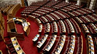 Στη Βουλή οδεύει το διυπουργικό νομοσχέδιο: Τι προβλέπει για άσυλο - δήμους