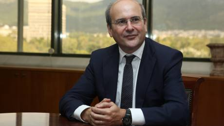 Κ. Χατζηδάκης: «Οικονομικό φρενοκομείο» η ΔΕΗ - Την βγάζει δεν την βγάζει