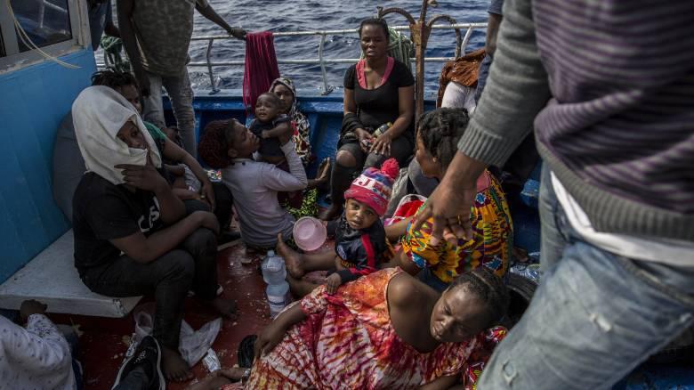 Ιταλία: 163 μετανάστες αποκλεισμένοι εν πλω - Για «φρικτά σημάδια βίας» κάνουν λόγο οι διασώστες