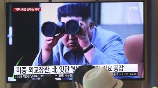 Νέα εκτόξευση πυραύλων στη Βόρεια Κορέα υπό το άγρυπνο βλέμμα του Κιμ