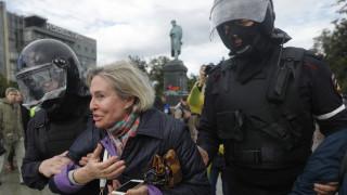 Ρωσία: Συλλήψεις εκατοντάδων διαδηλωτών που ζητούν διεξαγωγή ελεύθερων εκλογών στη Μόσχα