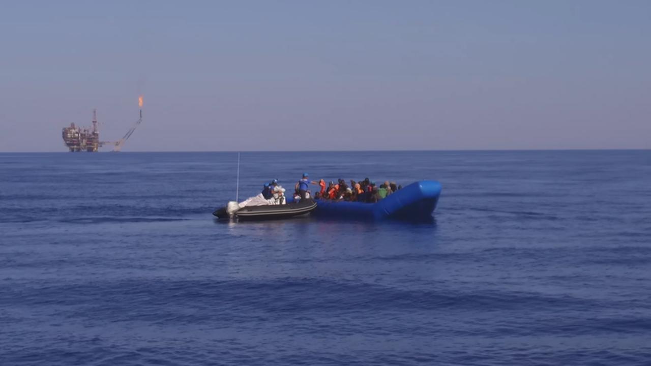 https://cdn.cnngreece.gr/media/news/2019/08/03/186407/photos/snapshot/last-rescue-1.png