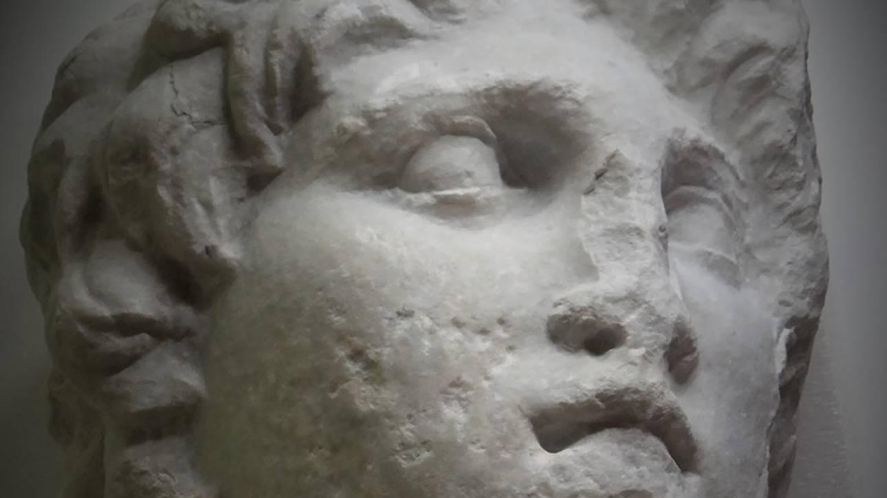 Αναπάντεχη ανακάλυψη: Βρέθηκε πορτρέτο του Μεγάλου Αλεξάνδρου ξεχασμένο σε μια γωνία