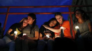 Ματωμένο Σαββατοκύριακο στις ΗΠΑ: 30 νεκροί και 42 τραυματίες σε 14 ώρες