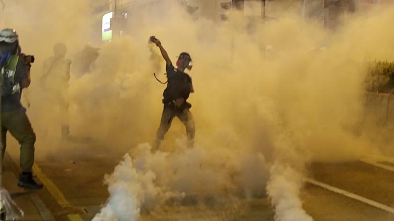 Χονγκ Κονγκ: Συνεχίζονται οι κινητοποιήσεις - Δακρυγόνα από την αστυνομία