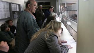 Συντάξεις: «Παράθυρο εξόδου» για 20.000 δημοσίους υπαλλήλους