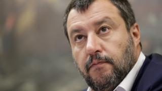 Ιταλία: Ενισχυμένος ο Σαλβίνι μετά την έγκριση του νόμου για τη μετανάστευση