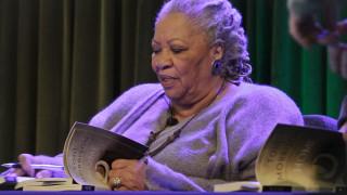 Πέθανε η βραβευμένη με Νόμπελ και Πούλιτζερ συγγραφέας Τόνι Μόρισον