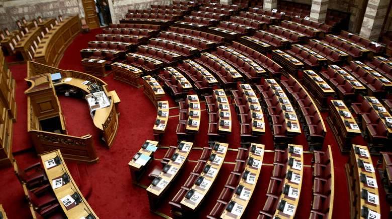 Live Βουλή: Απορρίφθηκε η ένσταση αντισυνταγματικότητας για άσυλο, ΟΤΑ και Επιτροπή Ανταγωνισμού