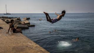 Έκτακτο δελτίο καιρού: «Καμίνι» και πάλι η χώρα