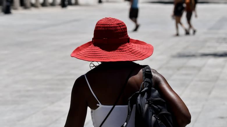 Καιρός: Ανεβαίνει σήμερα η θερμοκρασία – Πού θα χτυπήσει «κόκκινο» ο υδράργυρος
