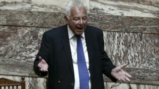 Ένταση στη Βουλή μετά την αναφορά Τσίπρα σε Πικραμένο