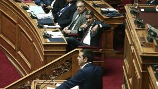 Βουλή: Σκληρή σύγκρουση Μητσοτάκη - Τσίπρα για άσυλο και Θάνου
