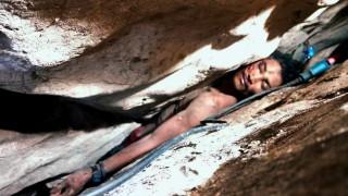 Δραματική διάσωση: Πέρασε τέσσερις μέρες σφηνωμένος ανάμεσα σε βράχους